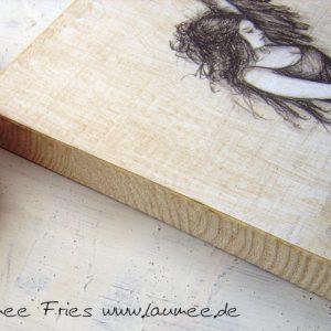 Holzbild Schwanenfrau aus Laumees Online-Shop